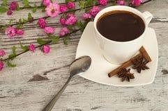 一个杯子芬芳早晨咖啡 免版税库存图片