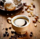 一个杯子芳香咖啡 免版税库存照片
