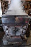 一个枫蜜蒸发器和锅炉在新罕布什尔加糖棚子 库存图片