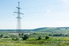 一个核电站的输电线 库存照片