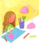 画一个桃红色房子的女孩 免版税库存照片