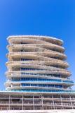 一个沿海公寓房大厦 库存照片