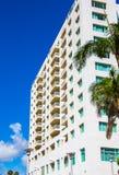 一个沿海公寓房大厦 免版税图库摄影