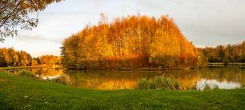 一个海岛在秋天 免版税图库摄影