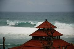 一个海滩的看法在巴厘岛,印度尼西亚 免版税库存图片