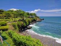 一个海滩的看法在巴厘岛,印度尼西亚 库存照片