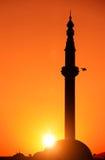 一个清真寺,斯科普里,马其顿的剪影日出的 库存照片