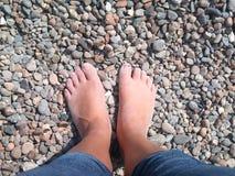 一个温暖的夏天的脚 免版税库存图片