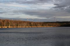 一个湖在冬天 免版税库存照片