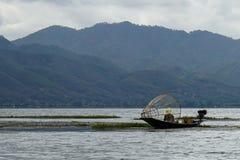 一个湖渔夫Inle湖缅甸Nyaung Shwe 库存图片
