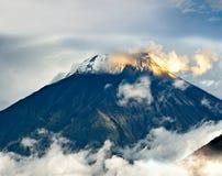 一个火山通古拉瓦火山的爆发在厄瓜多尔 库存照片