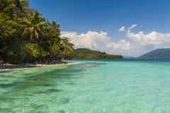 从一个热带海岛岸的惊人的看法  酸值张 库存照片