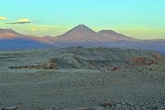一个热情的licancabur火山在阿塔卡马沙漠 库存图片