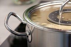 一个烹调罐的细节 免版税库存图片
