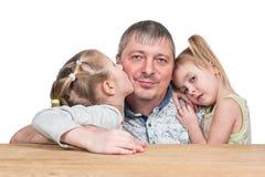 一个父亲的画象有两个女儿的 库存图片