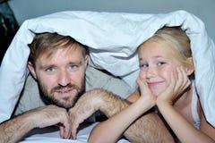 一个父亲的画象有他的女儿的 库存图片