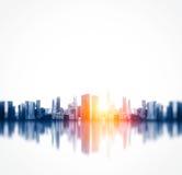 一个特大的城市的全景有反射的 免版税库存照片