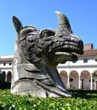 一个犀牛头的雕塑在罗马国家博物馆的米开朗基罗庭院  库存图片