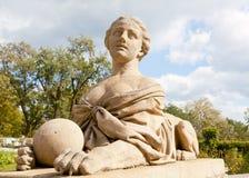 一个狮身人面象的雕塑在宫殿的Massandra大大阳台的  库存图片
