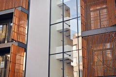 一个现代公寓的门面 图库摄影