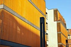 一个现代公寓的门面 免版税库存图片