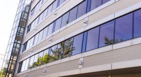 一个现代办公室设计大厦 图库摄影