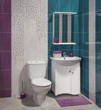 一个现代卫生间的细节有水槽的 库存图片