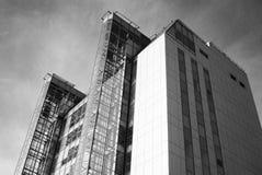 一个现代大厦的看法在翼果的 图库摄影