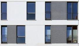 一个现代大厦的门面 库存照片