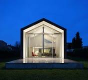 一个现代房子的内部 免版税图库摄影