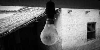 一个白炽电灯泡 免版税图库摄影