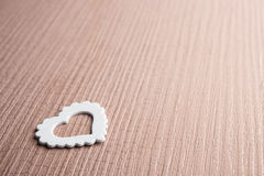 一个白色心脏标志 免版税库存图片