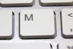 一个白色键盘的宏观图片 免版税库存图片