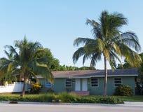 一个的两个房子--普遍的佛罗里达套楼公寓 库存照片