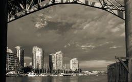 一个看法在格兰维尔街桥梁下 库存照片