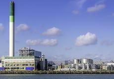 一个石油化学工业的精炼厂在Europort港口的在鹿特丹,荷兰 免版税库存图片