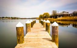 一个码头的长的曝光在特纳的驻地公园的,在登多克, Ma 免版税库存图片