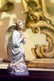一个祈祷的天使的雕象在布拉格 库存照片