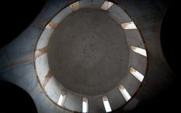 一个离开的正统基督教会圆顶的内部 免版税库存照片