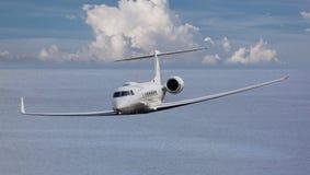一个私人喷气式飞机的前面看法 免版税库存照片