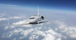 一个私人喷气式飞机的前面看法 免版税库存图片