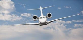 一个私人喷气式飞机的前面看法 库存照片