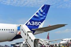 一个空中客车A350-900 XWB测试航空器的尾巴在新加坡Airshow 库存图片
