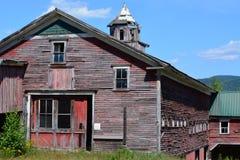 一个空和被放弃的新英格兰谷仓 图库摄影