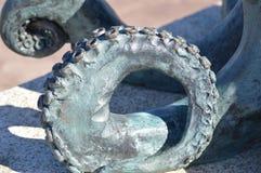 一个章鱼的腿在古铜的 免版税库存照片