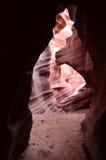 一个红色岩石槽孔峡谷的拱道在亚利桑那 库存图片
