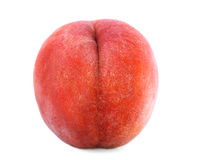 一个红色桃子的特写镜头,隔绝在白色背景 开胃美丽的果子,有很多维生素 素食生活方式 免版税库存照片