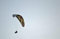 一个纵排滑翔伞 图库摄影