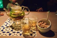 一个罐茶 免版税库存照片