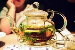 一个罐茶 免版税库存图片